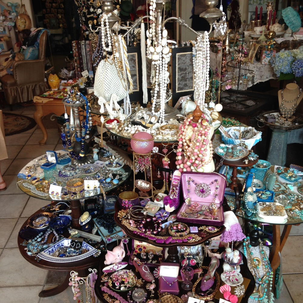 Anna Pearl's Curiosities, Niantic CT (4/6)